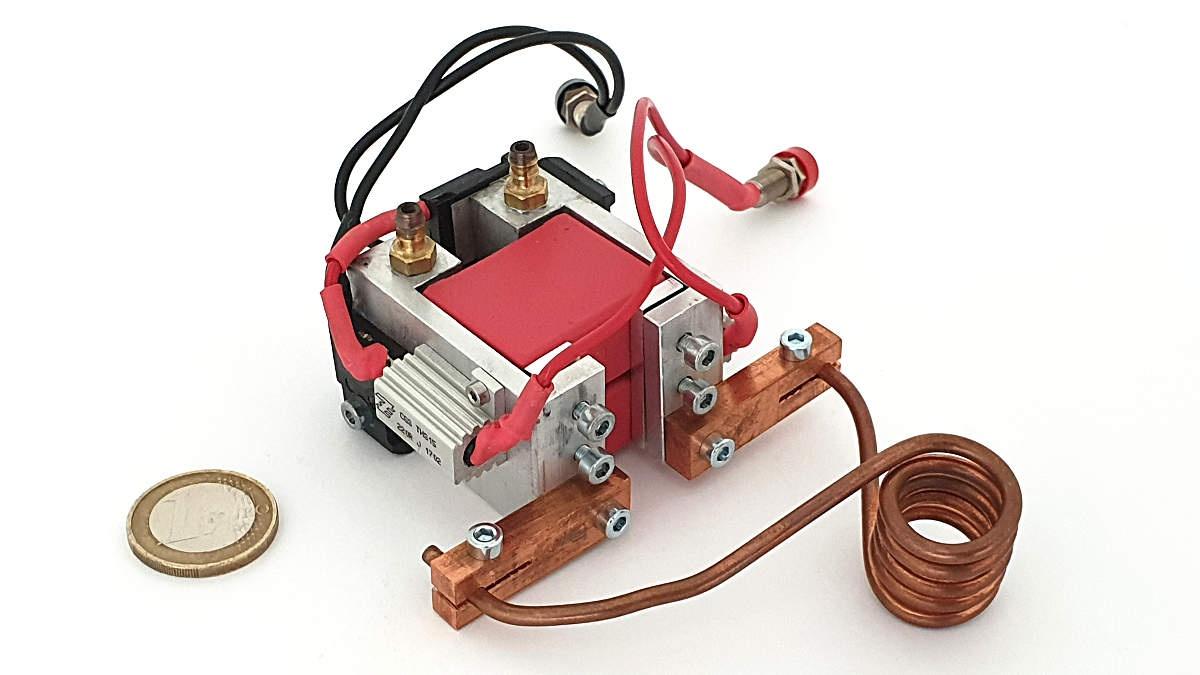 Miniaturisierter Induktionsgenerator mit Induktorspule
